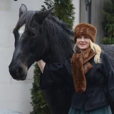 Sandra, Zirgzandaļu īpašniece